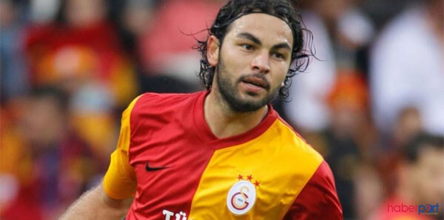 Galatasaray ile sözleşmesi 1 yıl daha uzatılan Selçuk İnan KAP'a bidirildi