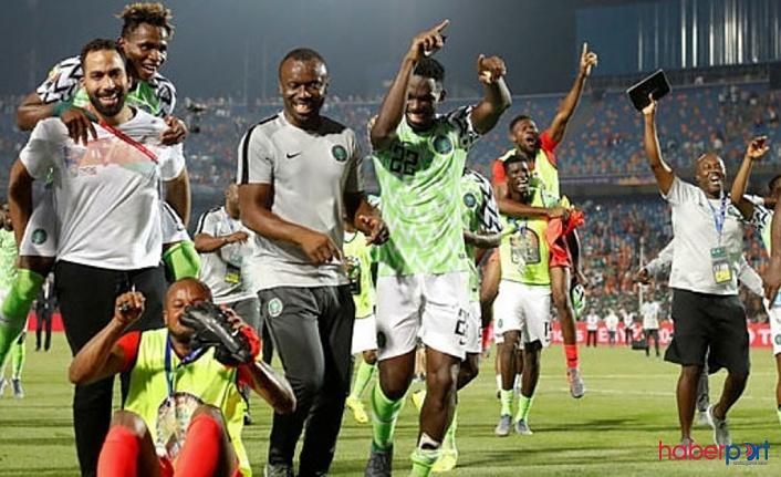 Güney Afrika'yı 2-1 mağlup eden Nijerya, final yolunu korudu