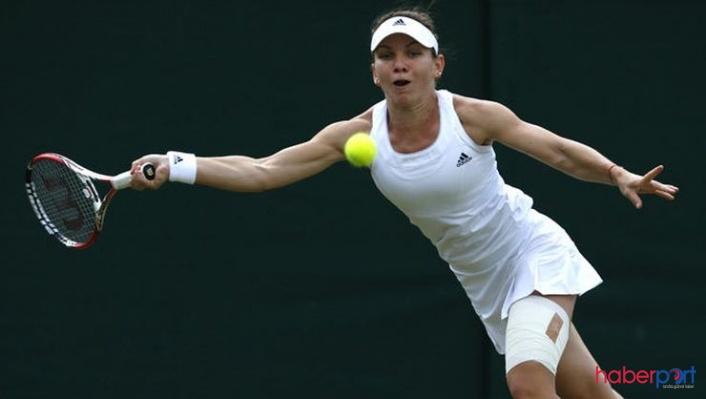 Rumen tenisçi Simona Halep, 2-0'lık galibiyetle Wimbledon'un ilk finalisti oldu