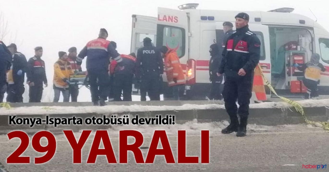 Isparta'da sis nedeniyle otobüs kontrolden çıkarak devrildi;29 yolcu yaralandı
