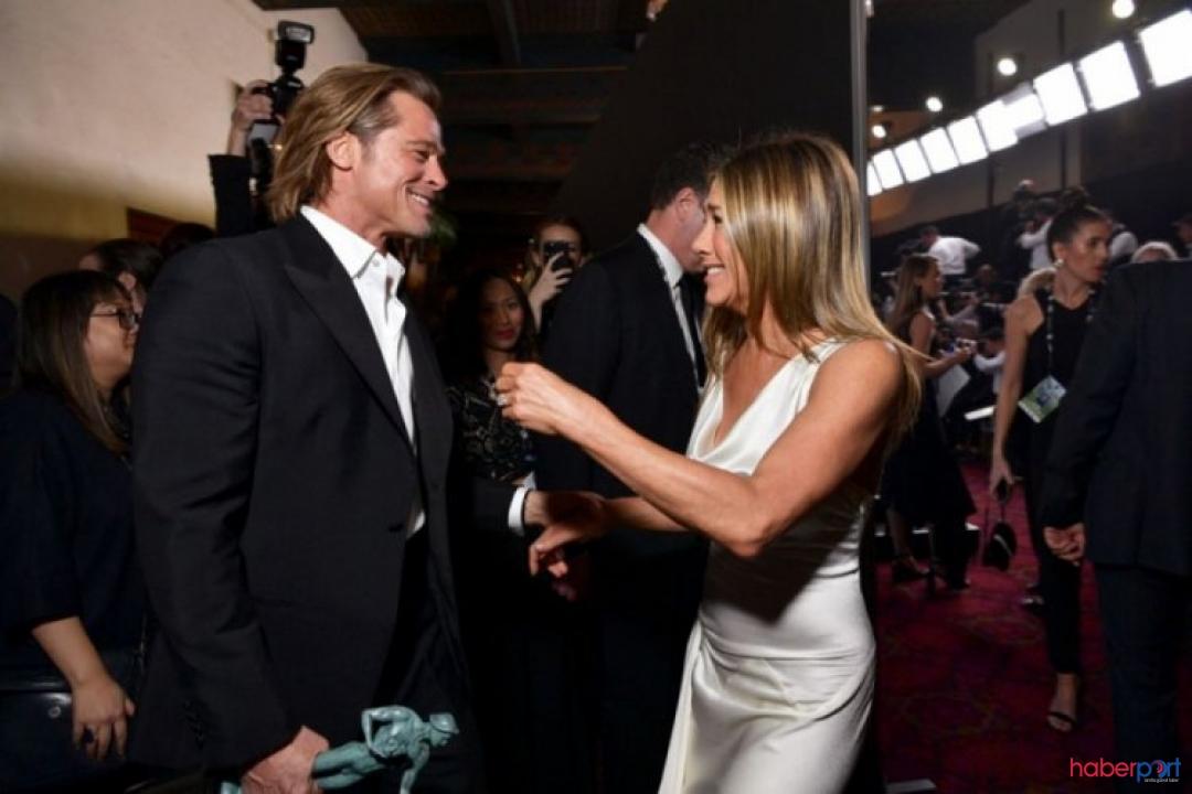 Jennifer Aniston ve Brad Pitt'ten yıllar sonra gelen olay fotoğraf!