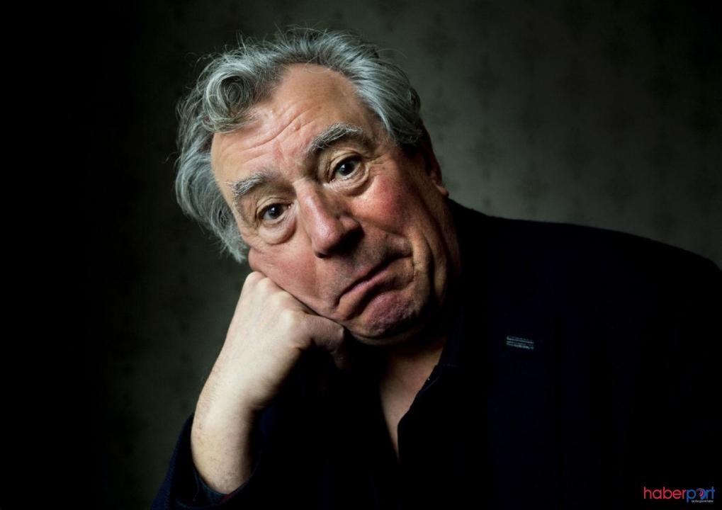 Monty Python filminin unutulmaz karakteri Terry Jones hayatını kaybetti