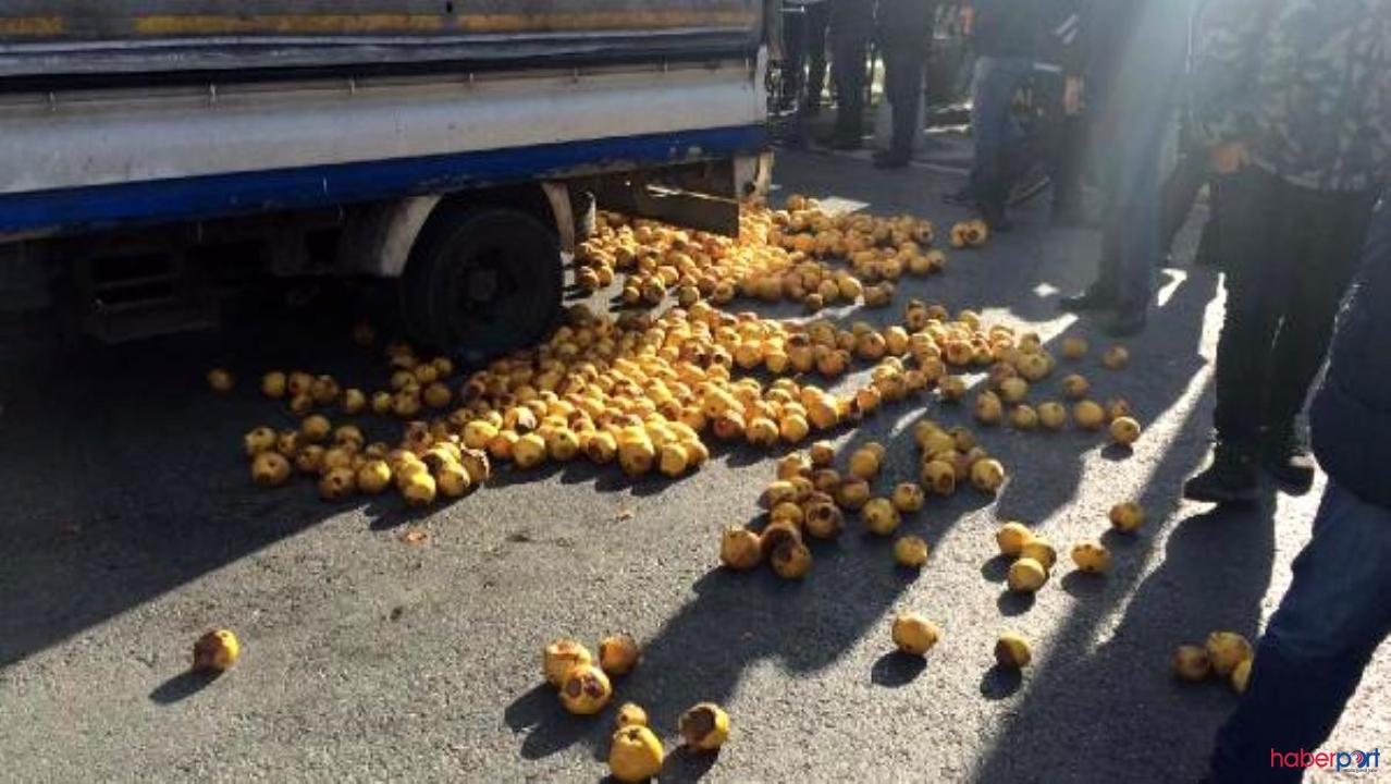 Seyyar satıcı bir kamyonet dolusu ayvayı İBB binası önüne döktü