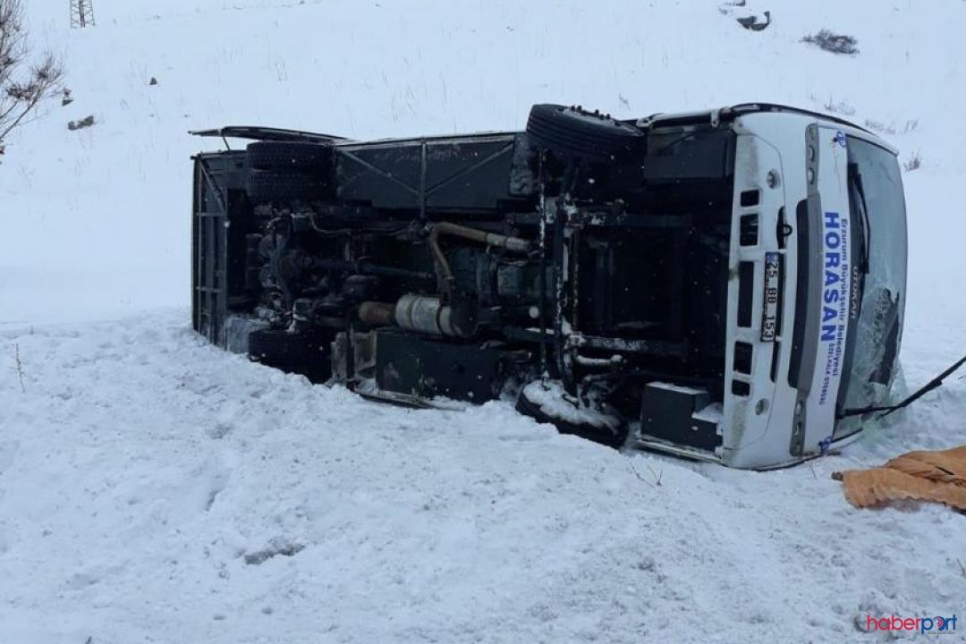 Erzurum'da şarampole devrilen halk otobüsünde 2 kişi yaşamını yitirdi