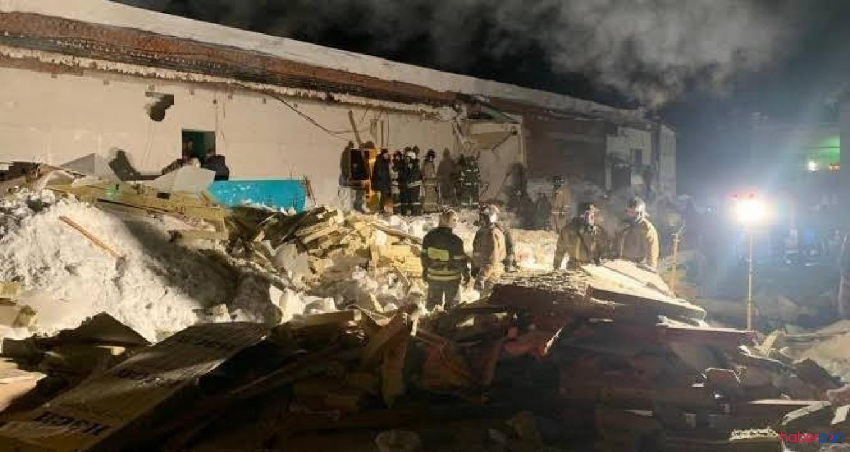 Gece kulübünün çatısı biriken kar yüzünden çöktü