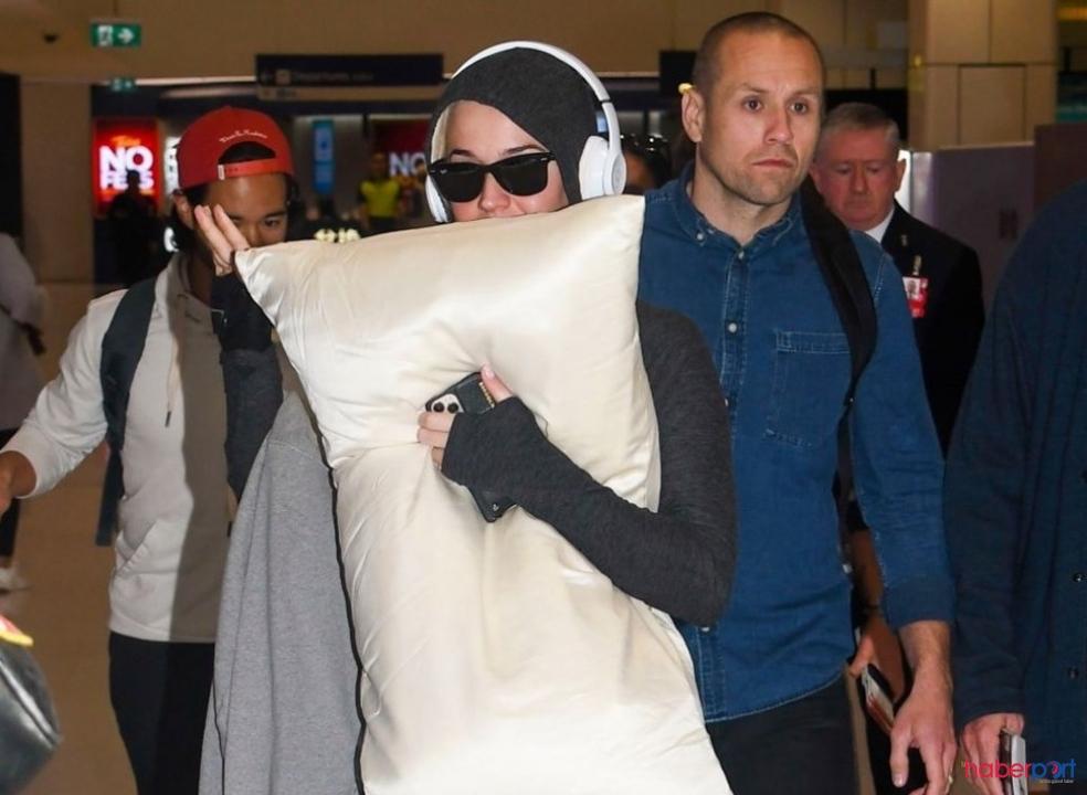 Katy Perry'nin yastıklı koronavirüs önlemi!
