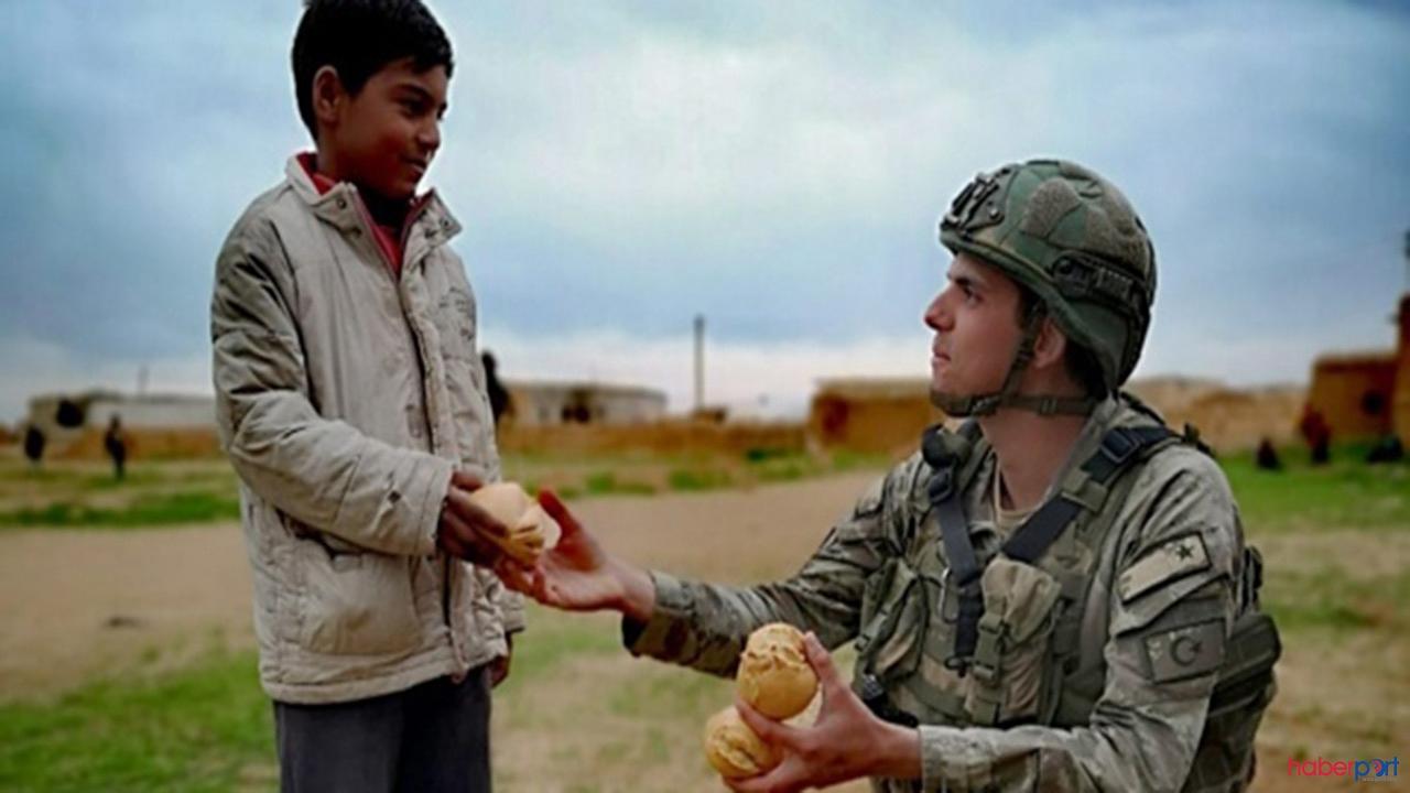 Suriye'de,Türk askerinden tüm dünyaya insanlık dersi!