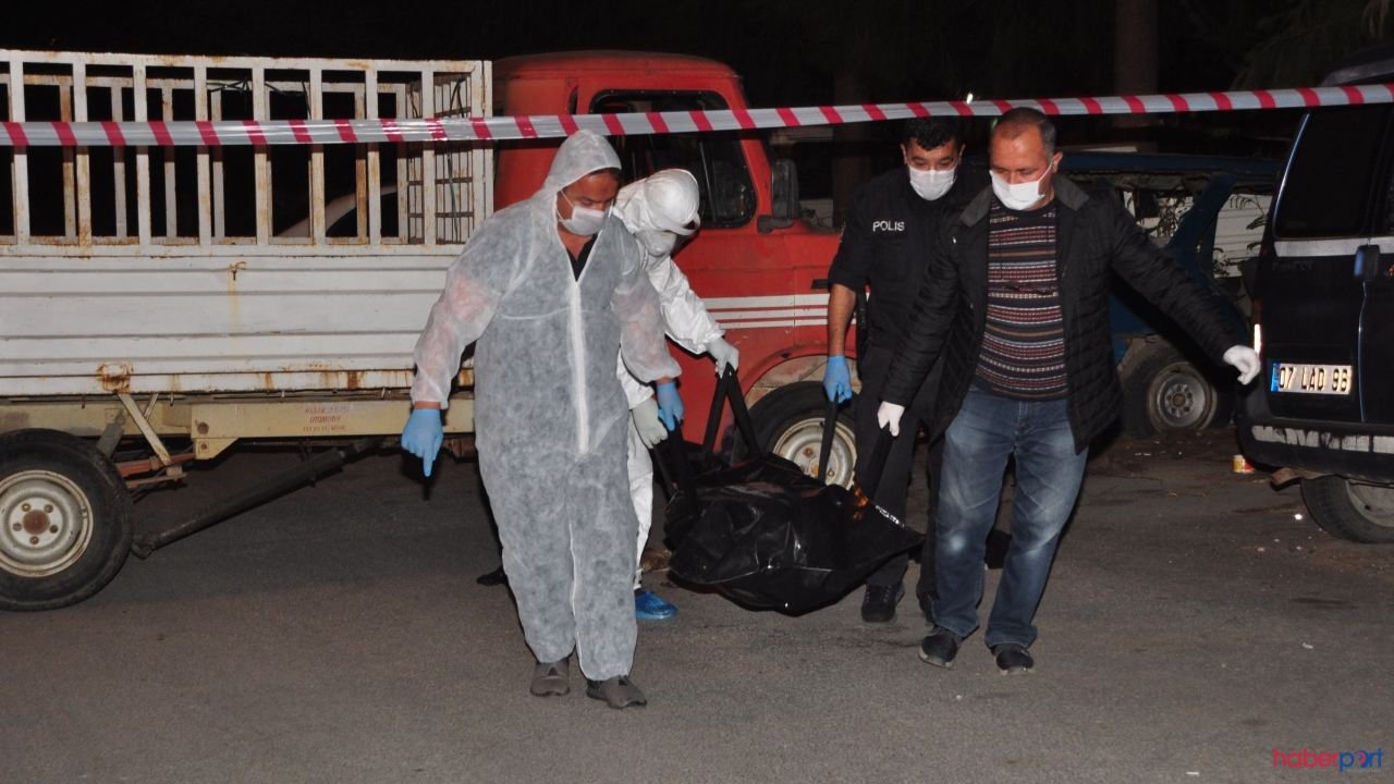 Antalya'da bozuk kamyonetin kasasında yaşayan adam ölü bulundu!