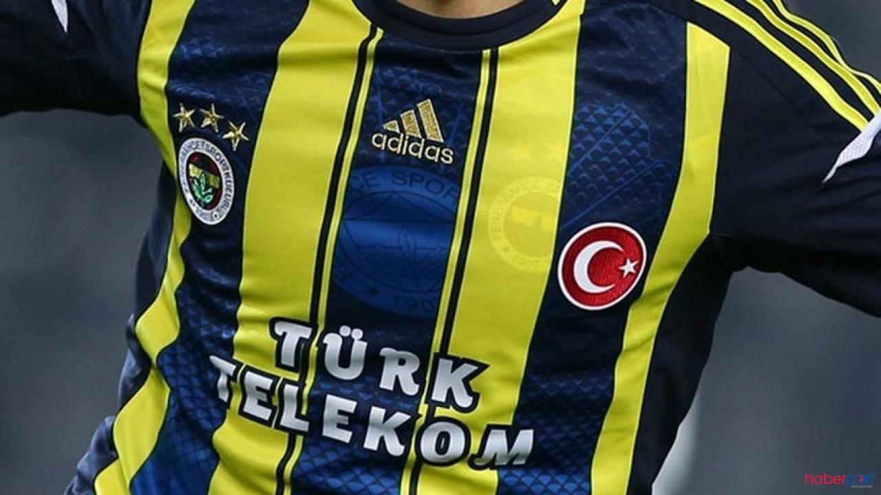 Fenerbahçe'li oyuncu Premier Lig'i peşinden koşturuyor.