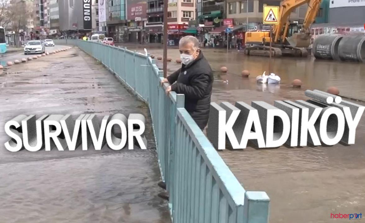 Kadıköy'de su borusu patladı, cadde atık sulardan göle döndü