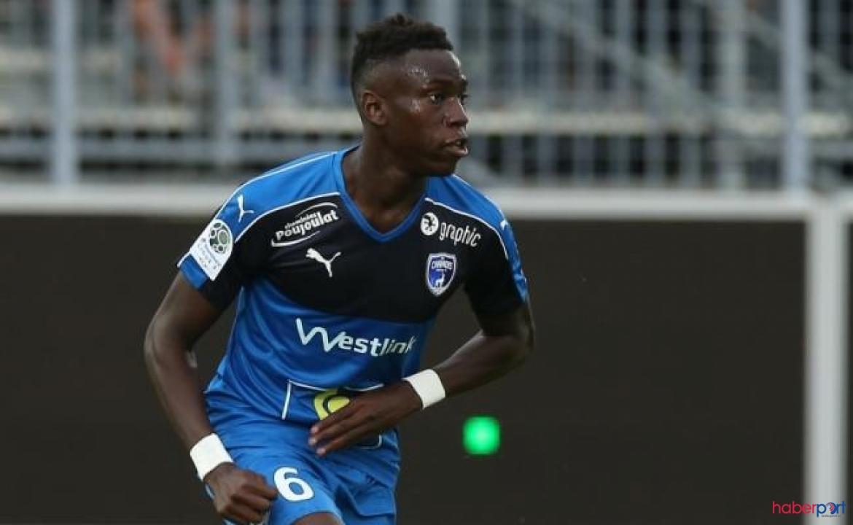 Montpellier'in genç oyuncusu Junior Sambia yoğun bakıma alındı