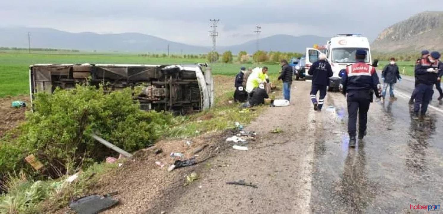 Afyonkarahisar'da kaza! Karantinadan çıkan vatandaşların otobüsü şarampole devrildi