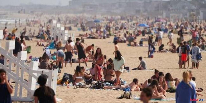 New York'ta sosyal mesafe kuralları hiçe sayıldı, Halk sahile akın etti