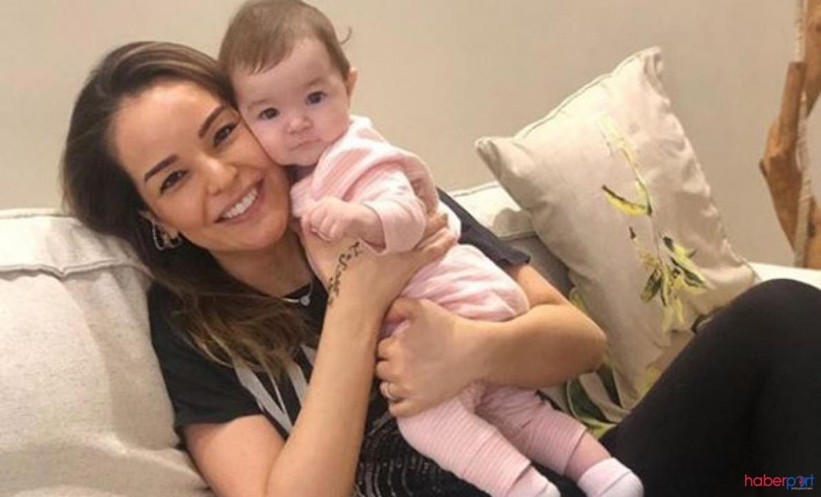 Şarkıcı Bengü'nün kızı Zeynep'le  ilk anneler günü! Bengü Kimdir?