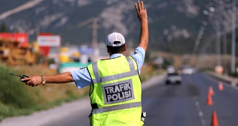 Düzce'de sokağa çıkma kısıtlamasına uymayan 47 sürücüye 148 bin lira ceza kesildi!