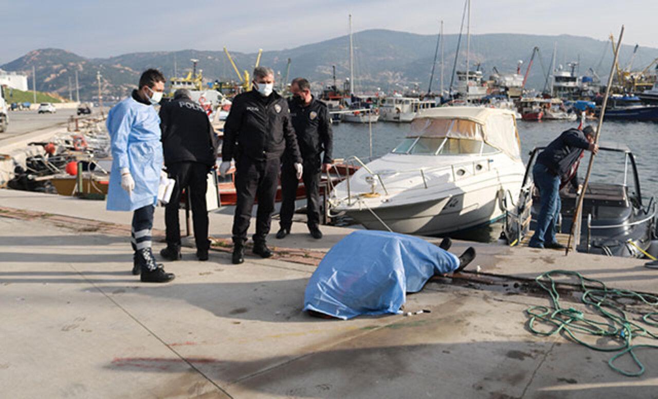 Foça'da bir balıkçı barınağında erkek cesedi bulundu