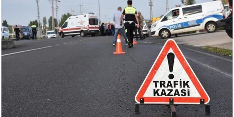 Konya'da tıra çarpan araç içinde 2 kişi can verdi