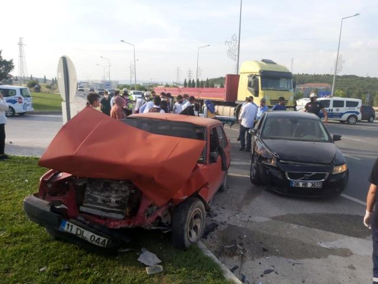Düğün dönüşü trafik kazası: 2 yaralı