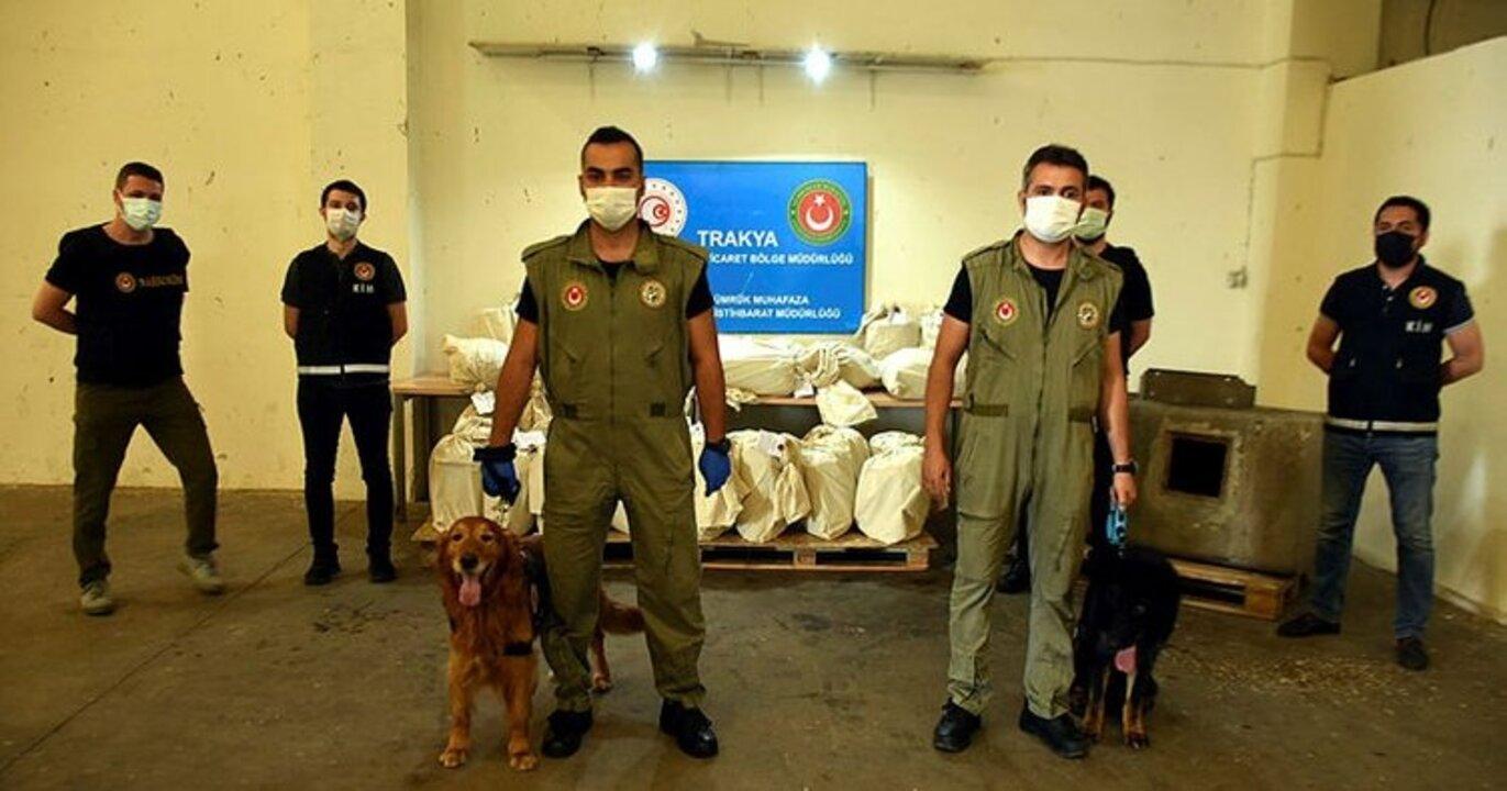 Edirne Sınır Kapısı'nda bir tırda 117 kilo esrar bulundu