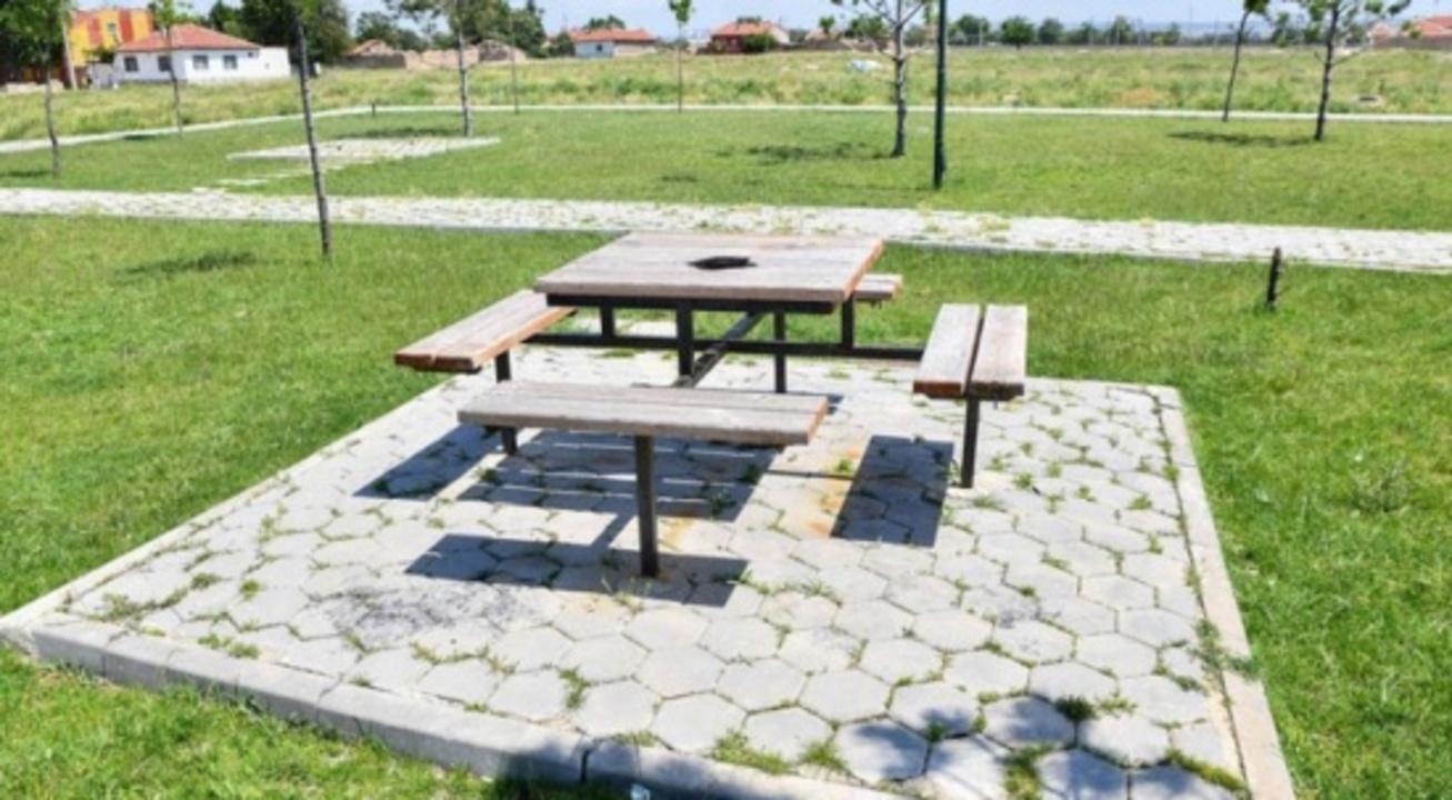 Eskişehir'de ilginç hırsızlık olayı! Piknik masalarını söktüler