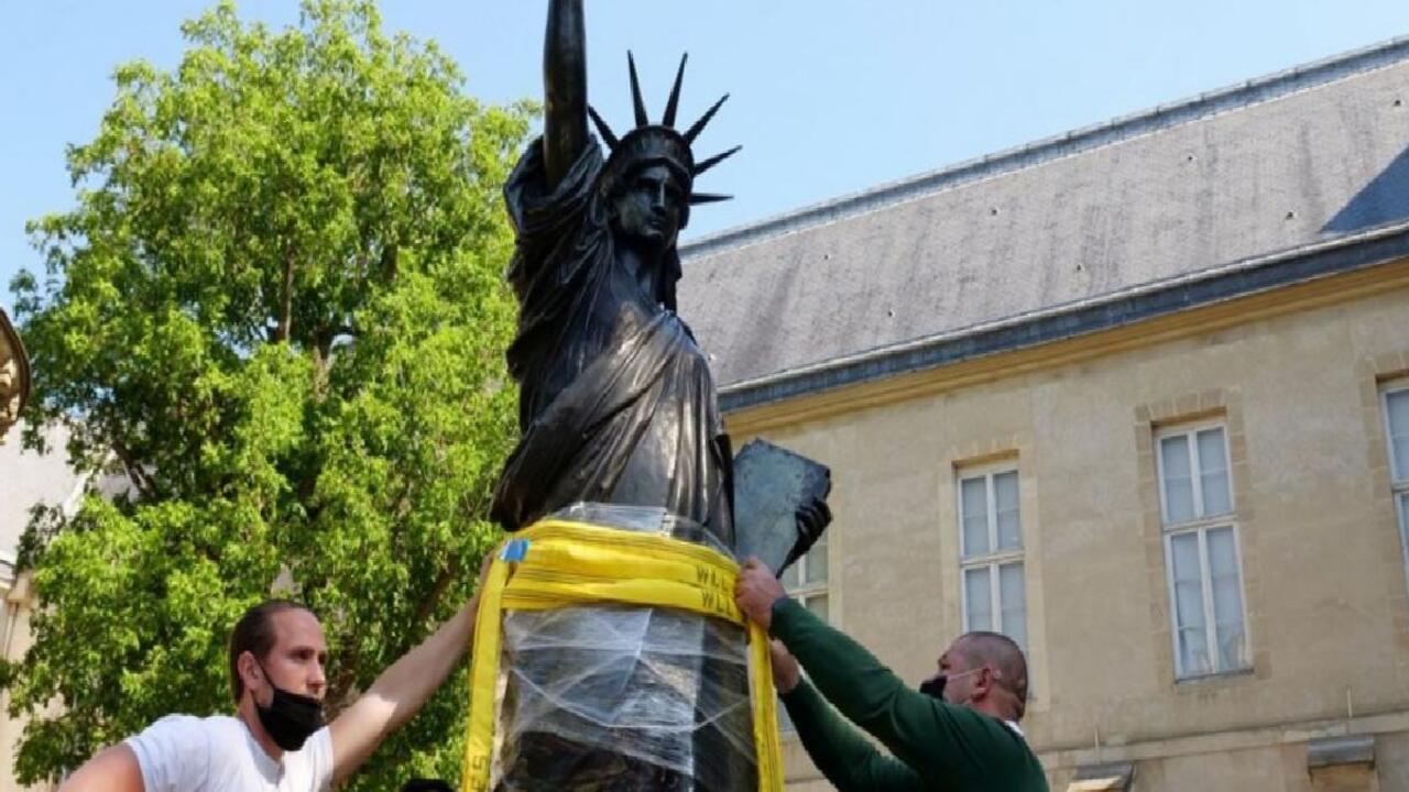 Fransa'dan ABD'ye hediye