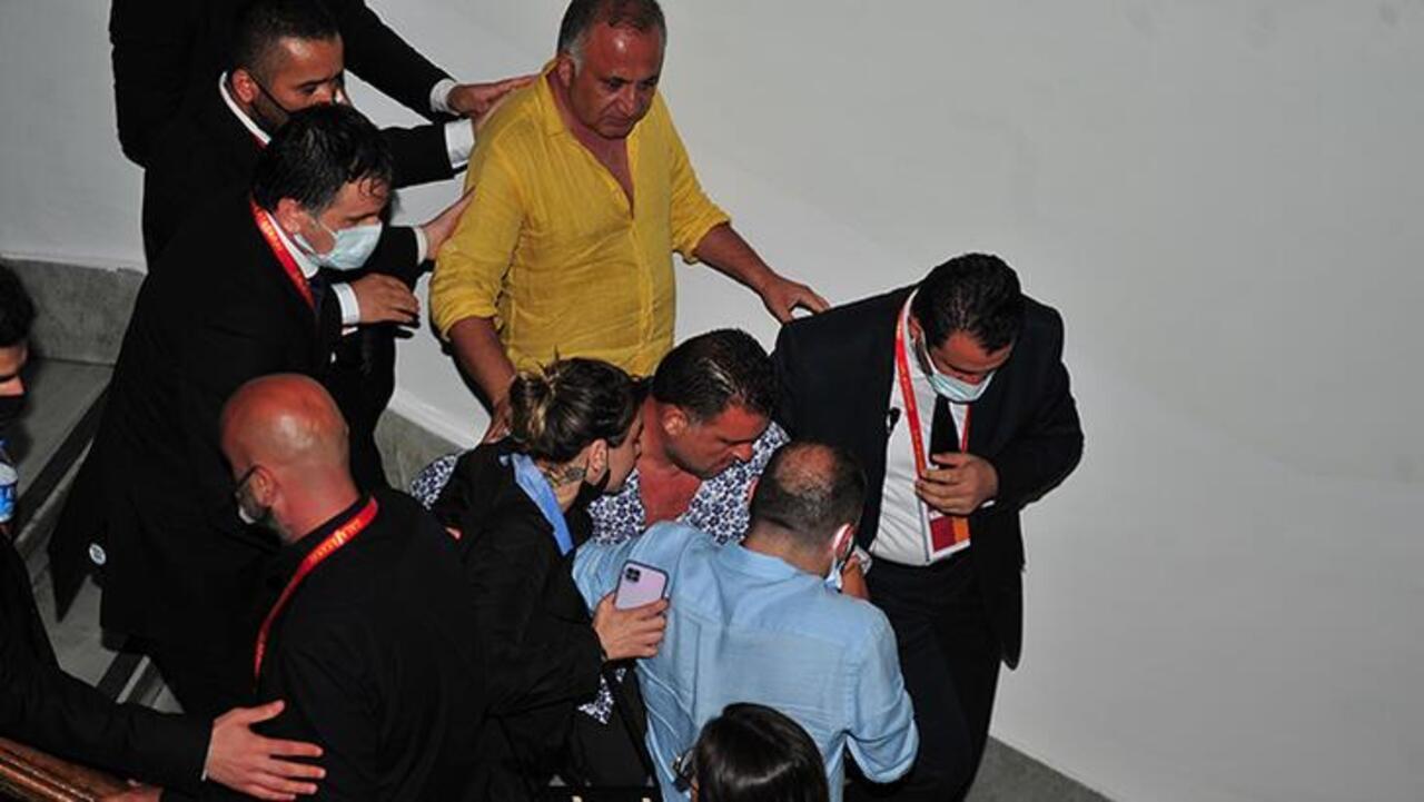 Galatasaray başkanlık seçiminde gergin anlar