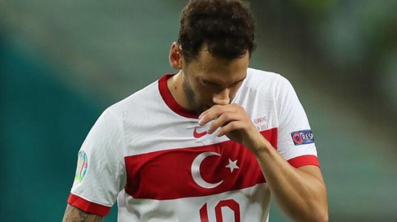 Hakan Çalhanoğlu Milan'ın ezeli rakibi Inter ile anlaştı