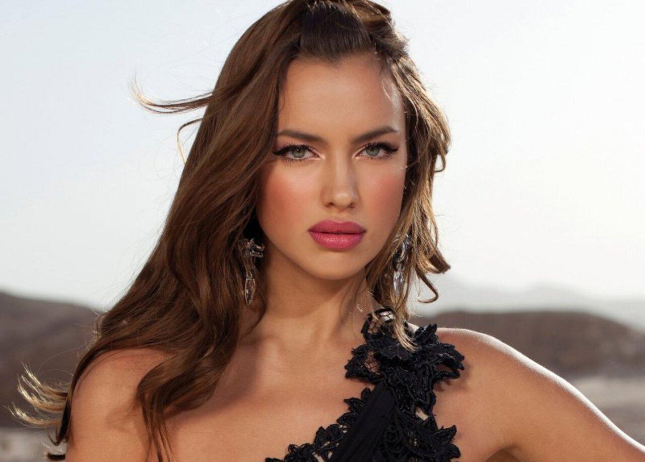 Irina Shayk verdiği pozla herkesin ağzını açık bıraktı! Ünlü model üstsüz fotoğrafının paylaştı