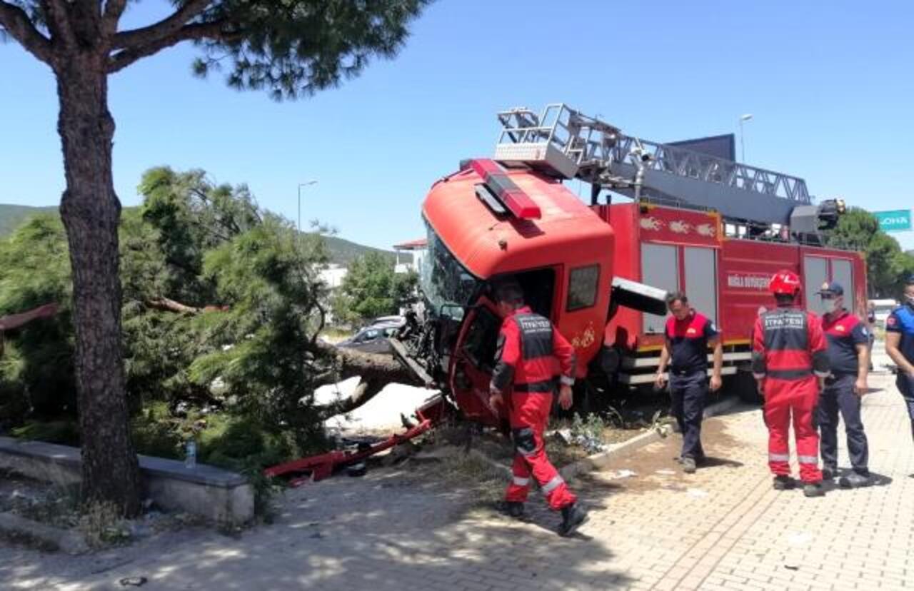 Muğla'da itfaiye aracının da karıştığı kazada 5 yaralı