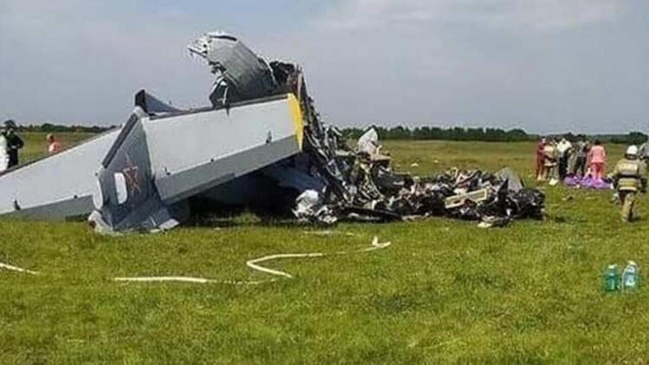 Rusya'da uçak düştü! 9 kişi hayatını kaybetti!