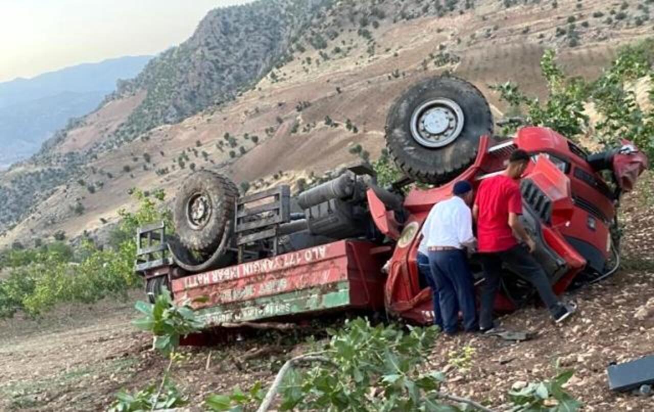 Siirt'te yangına müdahaleye giden itfaiye aracı şarampole yuvarlandı:  2 yaralı!