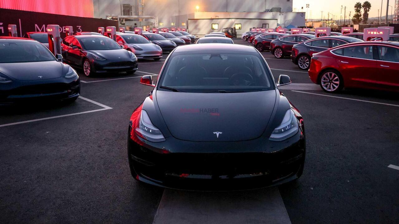 Tesla şirketi yüzlerce aracını geri çağıracak