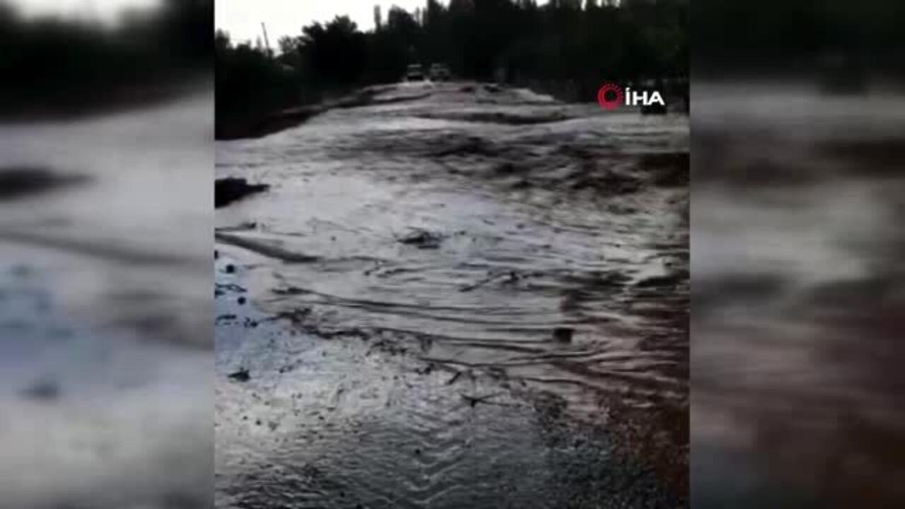 Yozgat'ta sağanak yağış sele dönüştü!