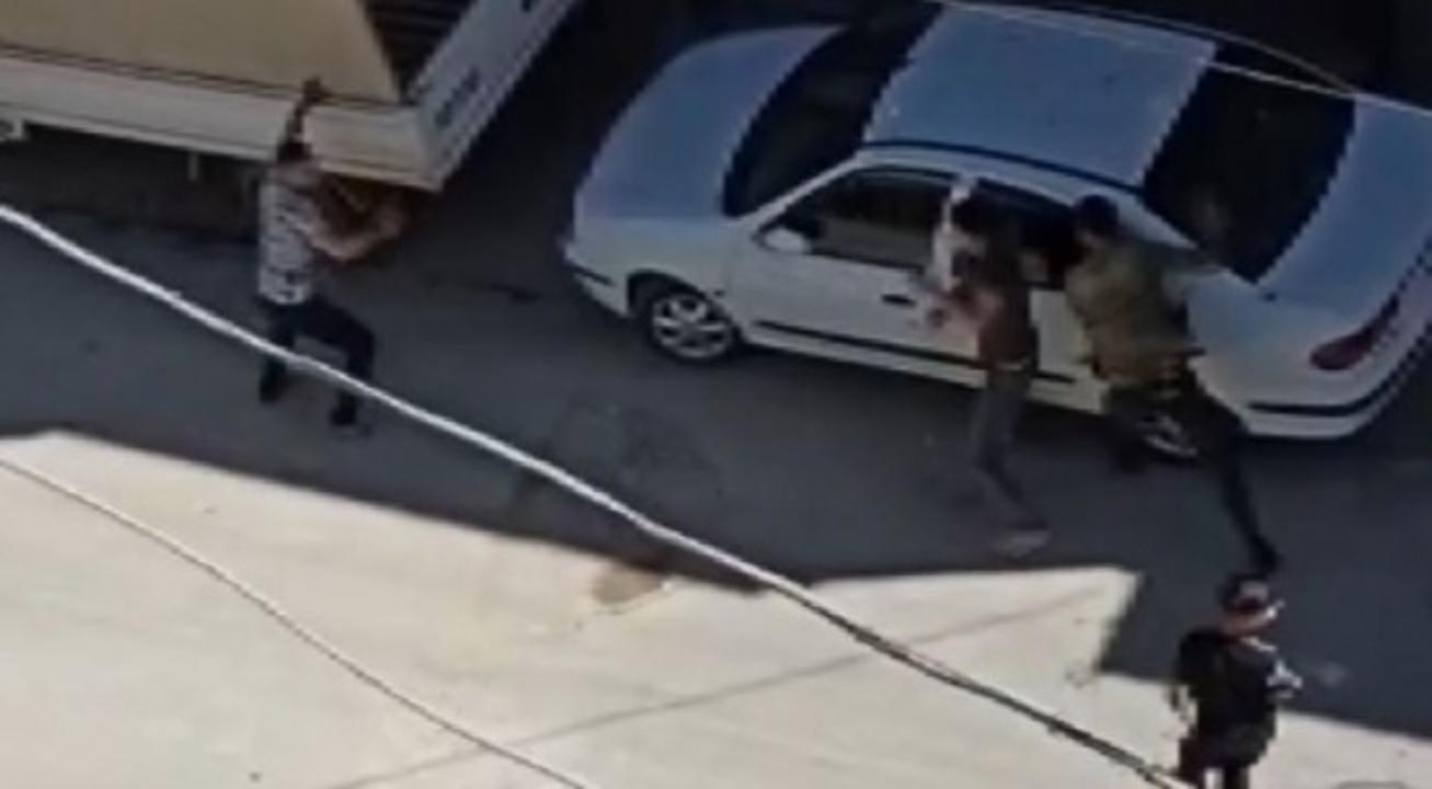 Zeytinburnu'nda bıçaklı saldırıda 3 kişi yaralandı