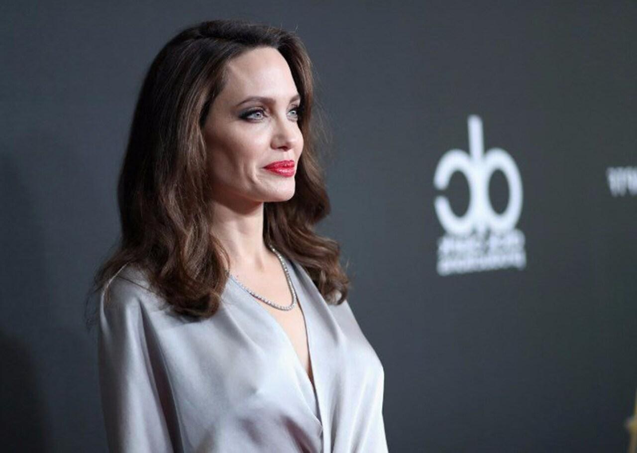 Angelina Jolie kendisinden 15 yaş küçük aşkıyla görüntülendi