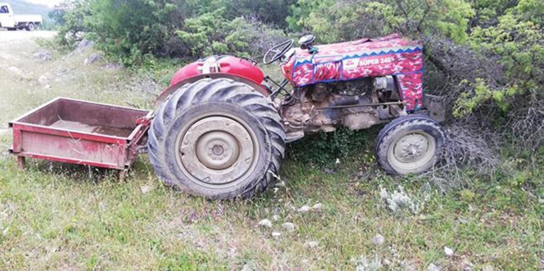 Bursa'da devrilen traktördeki 2 kişi yaralandı, 2 kişi hayatını kaybetti
