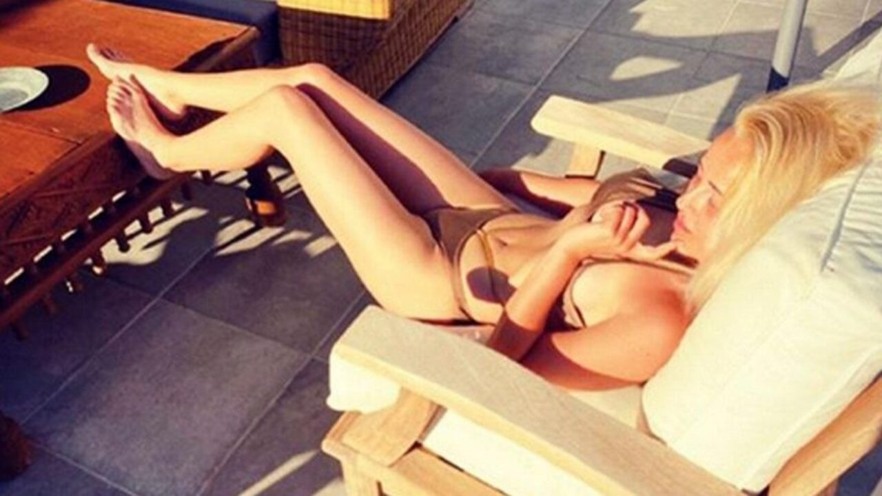 Helin Avşar art arda bikinili ve makyajsız halini paylaştı