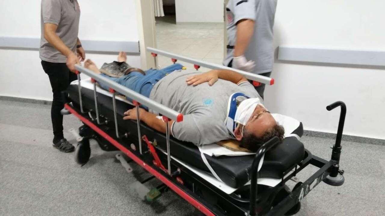 Aksaray'da otomobil temizlik görevlisine çarptı