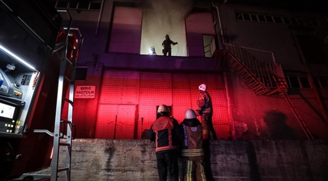 Arnavutköy'deki ambalaj fabrikasında yangın çıktı