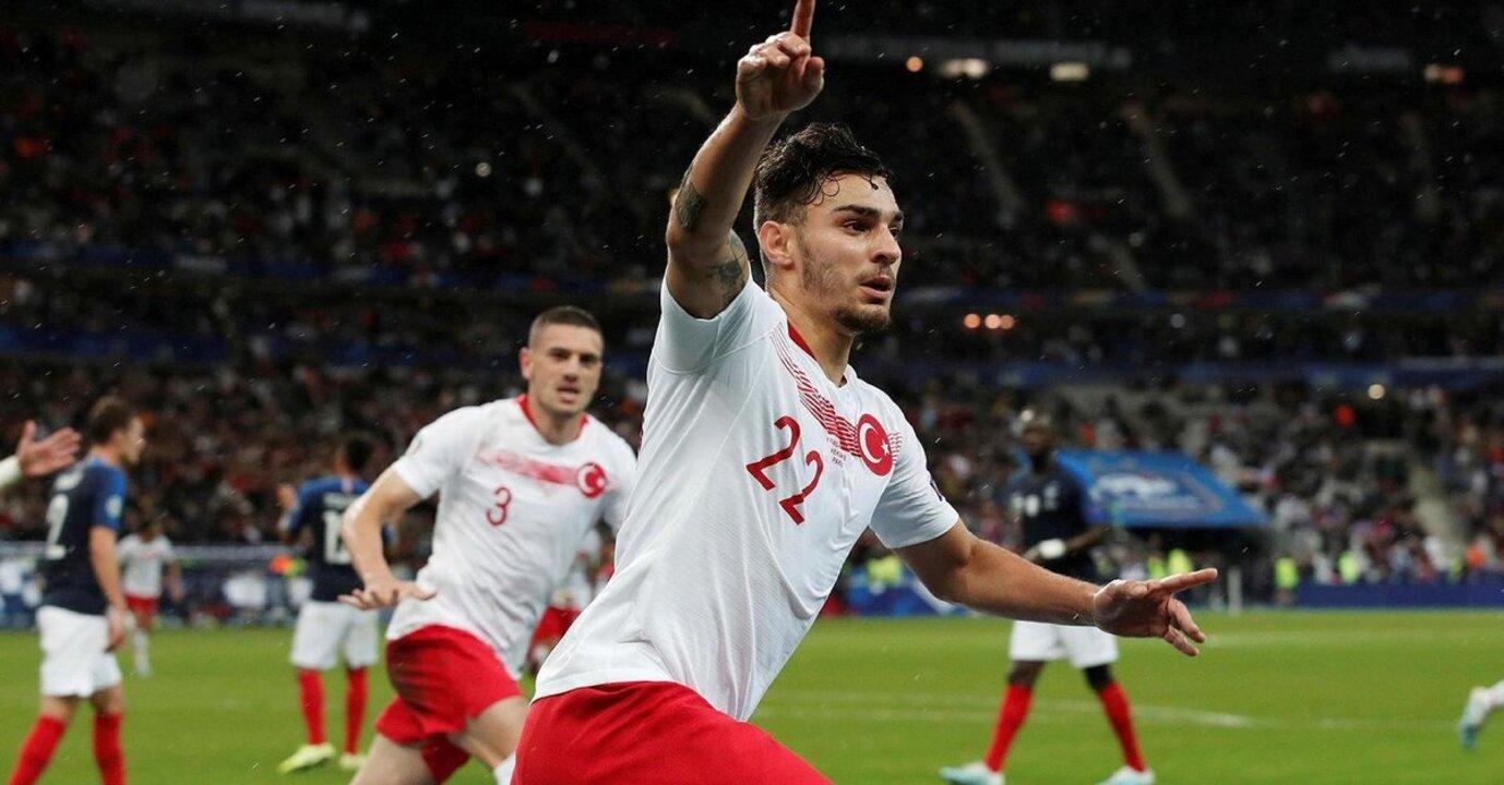 Beşiktaş Kaan Ayhan transferinde mutlu sona ulaştı