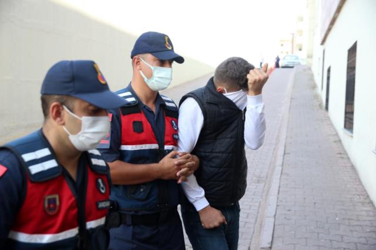 Kayseri'de jandarmanın dur ihtarına uymayan hırsızlık şüphelileri kovalamaca sonucu yakalandı