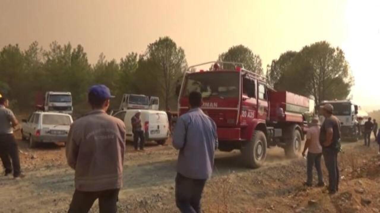 Köyceğiz'de yangın nedeniyle 5 mahalle tahliye edildi