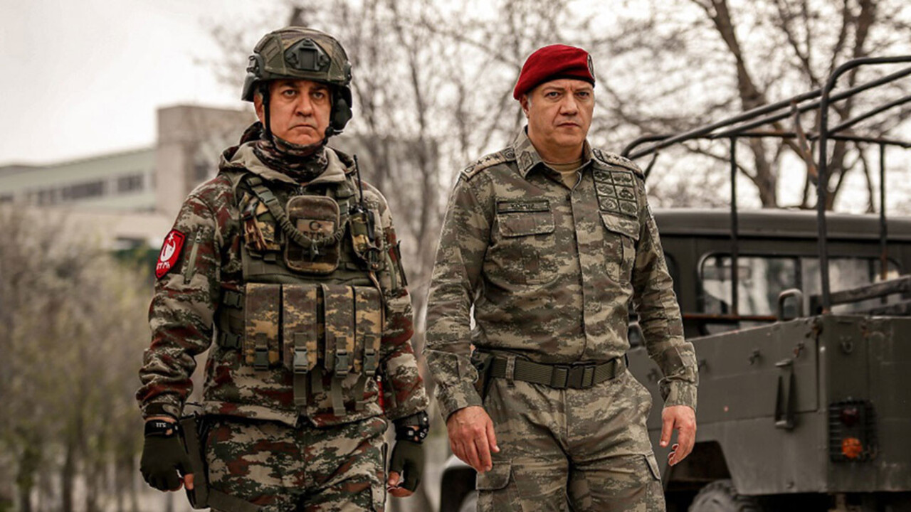 Müjdeli haber Tamer Karadağlı'dan geldi: Savaşçı dizisi geri dönüyor!