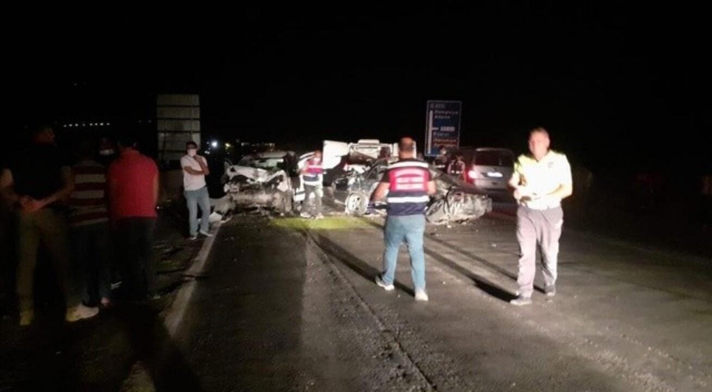 Osmaniye'de iki araç kafa kafaya çarpıştı! 1 ölü 2 yaralı