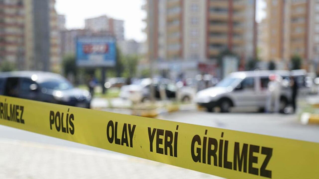 Antalya'da genç adam otel odasında arkadaşları tarafından ölü olarak bulundu