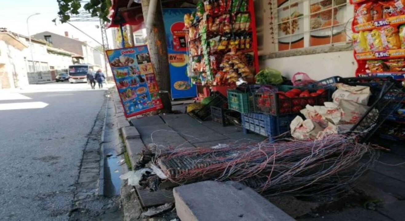 Bilecik'te polisten kaçan alkollü sürücü mahalle bakkalına girdi