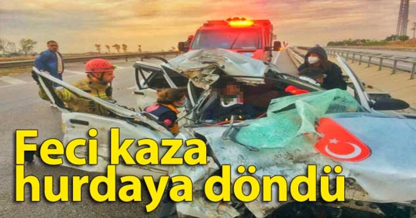 Bursa'da kaza yapan araçta sıkışan iki kişiyi itfaiye ekipleri kurtardı