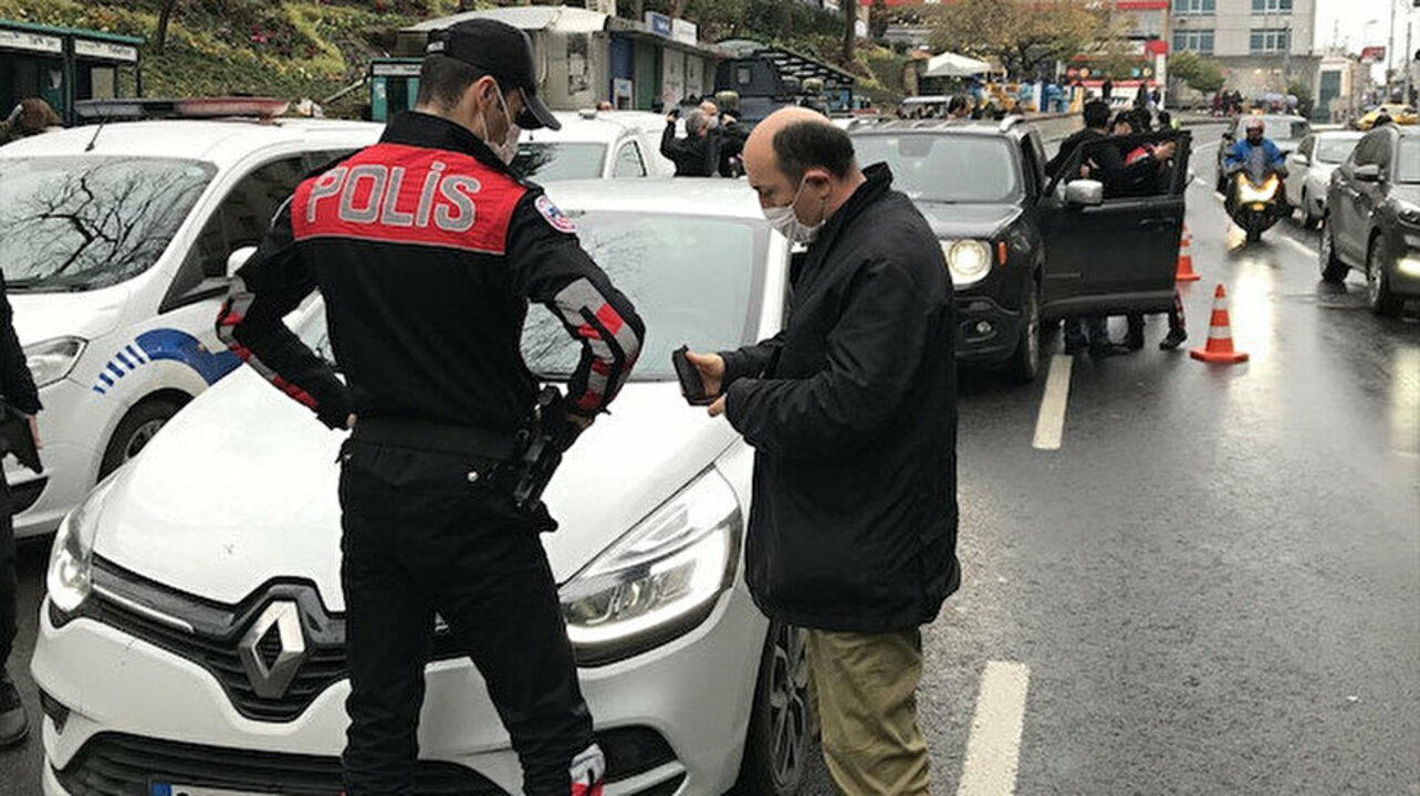 İstanbul'da 212 noktada asayiş uygulaması: 448 gözaltı