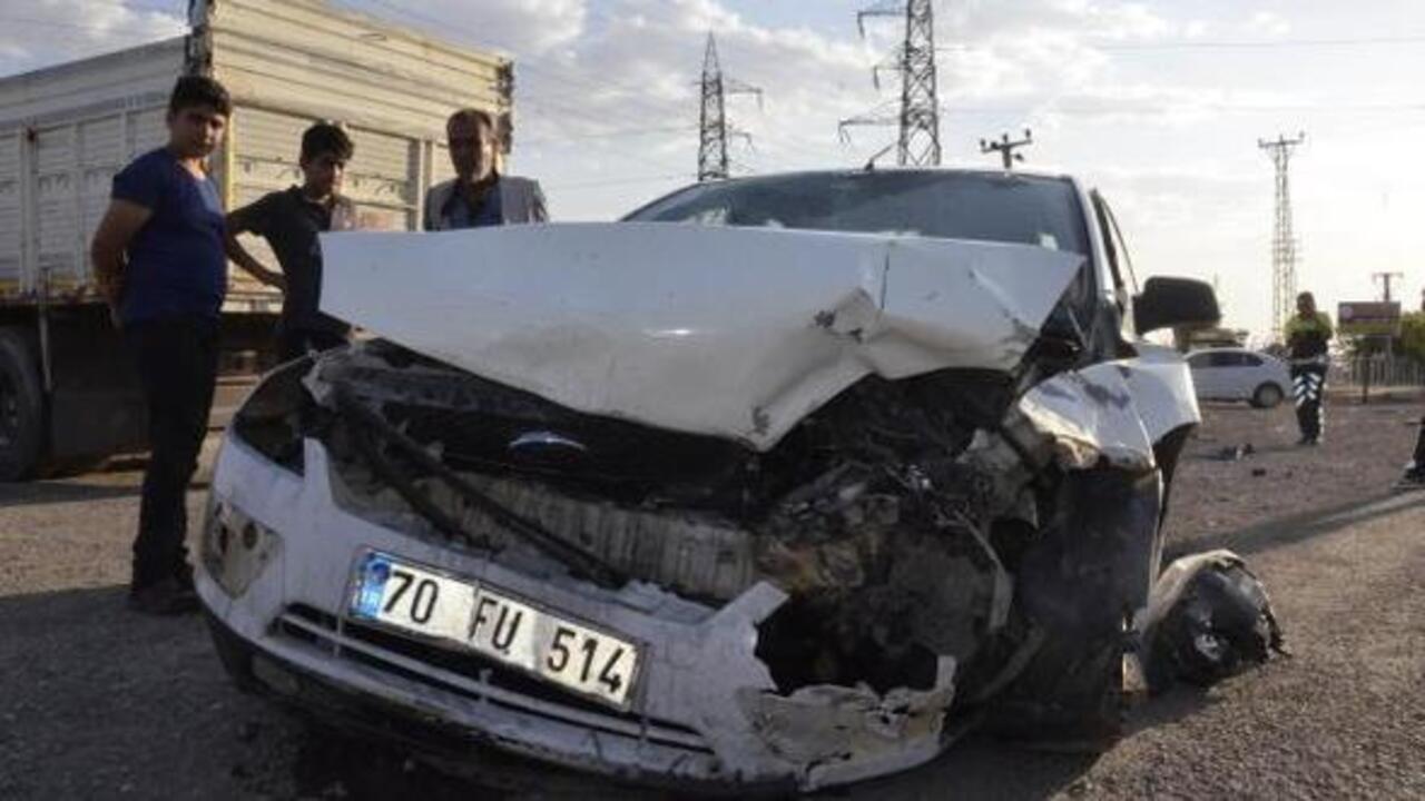Şanlıurfa Siverek'te iki otomobil çarpıştı: 4 yaralı