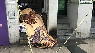 Fatih'te battaniyeye sarılı şekilde bir ceset bulundu